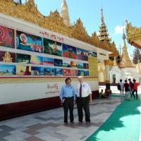 USCIRF Commissioners visited the Shwedagon Pagoda.