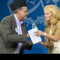 USCIRF Chair Swett honored at the 65th Annual Ahmadiyya Convention with Dr. Ahsanullah Zafar, Ahmadiyya Muslim Community USA President, June 29, 2013